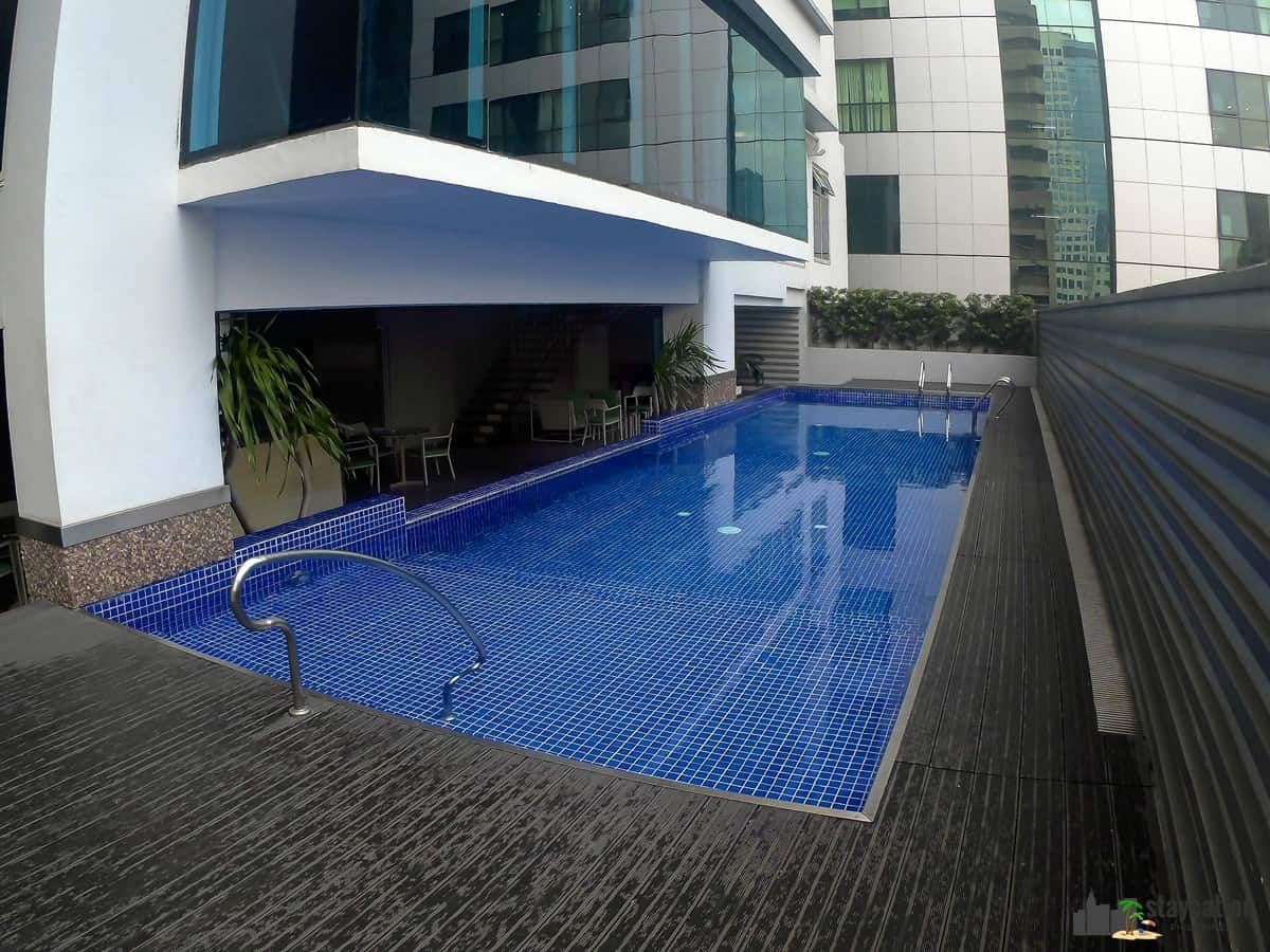 Moviebnb Swimming Pool